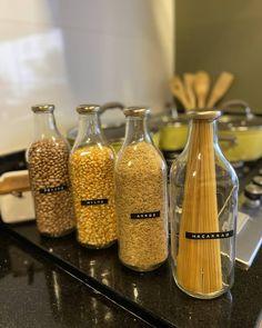 Cool Kitchen Gadgets, Smart Kitchen, Pantry Organisation, Organization Hacks, Cabin Kitchens, Cool Kitchens, Reuse Jars, Handmade Home, Beautiful Kitchens