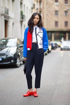 Street style spotted at Day 1 of Milan Fashion Week: Milan Fashion Week Street Style, Spring Street Style, Cool Street Fashion, Street Style Looks, Street Chic, Street Style Women, Street Wear, Teen Fashion, Womens Fashion