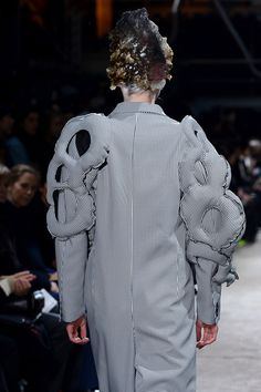 c0e9340e10a Comme des Garçons Fall 2013 Ready-to-Wear Accessories Photos - Vogue