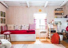 22 neliön talvinen minimökki   Meillä kotona Scandinavian Home, Bench, Loft, Cottage, Cabin, Projects, Inspiration, Furniture, Home Decor