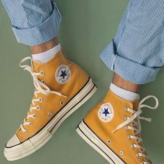 "Converse Chuck Taylor High ""Sunflower"" - Converse Chuck Taylor High ""Sunflower"" Source by - Galaxy Converse, Converse All Star, Converse Tumblr, Converse High, Cute Converse, Style Converse, Yellow Converse, Converse Shoes Outfit, Colored Converse"