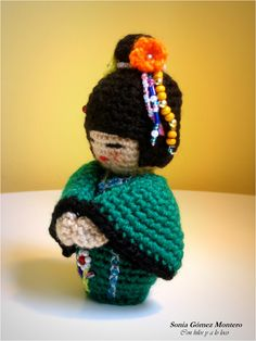 Las  kokeshi  son muñecas tradicionales japonesas. Se fabrican a mano y en madera. Pero como otras muchas cosas se pueden realizar a cro...