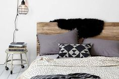 Partager Tweeter Épingler E-mail Je ne sais pas ce que vous en pensez mais je trouve que la tête de lit est un élément ...