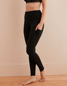 Chill, Play or Move in Women's Leggings & Yoga Pants at Aerie. Shop legging in a variety of fits, lengths, fabrics & colors so you can always have your favorite! Tops For Leggings, Women's Leggings, Black Leggings, Leggings Store, Printed Leggings, Cheap Leggings, Workout Leggings, Tights, Gothic Leggings