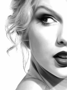 she really bugs me but this is a gorgeous shot of her face~ Taylor Swift