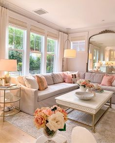 Glam Living Room, Home And Living, Living Room Decor, Living Spaces, Glam Room, Work Spaces, Living Room Inspiration, Home Decor Inspiration, Home Interior