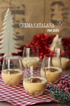 La crema catalana es un dulce perfecto para acabar las comidas navideñas, no es pesado. En esta versión lo acompañamos de piña. Te animas? Alcoholic Drinks, Desserts, Recipes, Mousse, Food, Cakes, Holiday Foods, Dessert Recipes, Beverages