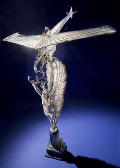In 1925, Cyrus Bettis won this art deco Pulitzer Trophy by winning a race in his R3C-1 Land Airplane.