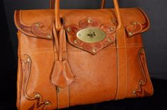 "MULBERRY Grained Calfskin  ""TOOELD DARWIN BAYSTWER"" LIMITED EDITION  OAK  #Mulberry #SHOULDERHANGBAG"