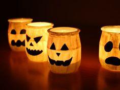 Avec ces petits photophores fantômes 100% récup', réalisez un comité d'accueil effrayant pour la soirée d'Halloween !