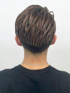 【2019年春】【heel】上杉秀明 ワイルドツーブロックモヒカン☆サイドパート/heel GINZA【ヒール ギンザ】のヘアスタイル|BIGLOBEヘアスタイル Hair Reference, Salons, Hair Cuts, Hair Beauty, Mens Fashion, Long Hair Styles, Mens Hair, Hairstyles, Haircut Designs