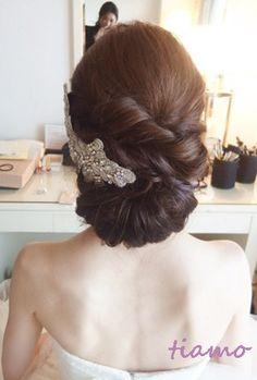 美人花嫁さまの3アップスタイルチェンジで素敵な一日♡ の画像|大人可愛いブライダルヘアメイク『tiamo』の結婚カタログ