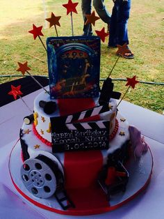 Our Team leader Farah Khan's B'day Cake at the Shoot of #HappyNewYear