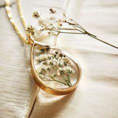 Dainty Jewelry, Cute Jewelry, Jewelry Gifts, Jewelery, Baby Jewelry, Resin Necklace, Flower Necklace, Resin Jewelry, Flower Jewelry