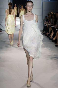 Giambattista Valli Spring 2006 Ready-to-Wear Fashion Show - Solange Wilvert