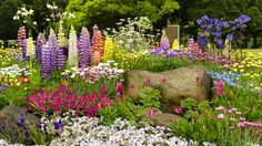 Idea Of Making Plant Pots At Home // Flower Pots From Cement Marbles // Home Decoration Ideas – Top Soop Perenial Garden, Garden Deco, Diy Garden, Green Landscape, Spring Garden, Flower Beds, Dream Garden, Garden Projects, Amazing Gardens