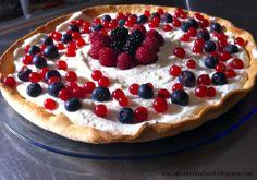 White Chocolate Tart with Fresh Berries from mycupcakenotebooken.blogspot.com #tart #whitechocolate #berry #food #dessert