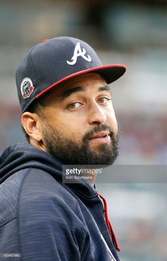 10db1327013 News Photo   An injured Atlanta Braves left fielder Matt Kemp... Matt Kemp