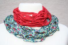 #Loop #Wickelschal #Textilgarn #rot #petrol #bunt #Loopmania Hier ein Exemplar aus der Kollektion Loopmania aus der Gruppe der Wickelschals. Diese werden aus dickerem Garn mit einer speziellen...