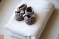 These delightful knitted Saartje booties are just gorgeous in their simplicity…