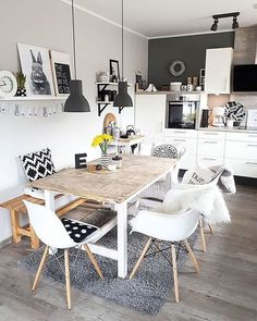 Household Decorating Ideas: Decorating Techniques For Living Room - Home Decor Ideas Küchen Design, House Design, Black Walls, Dining Room Design, Home Interior, Room Inspiration, Home Furnishings, Home Furniture, Kitchen Decor