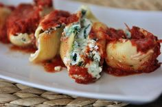 Cheesy Spinach Stuffed Shells