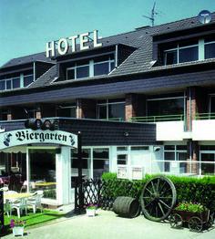 Verkehrsgünstig am Stadtrand von Mönchengladbach, ruhig gelegen am Wald und einem Erholungsgebiet, finden Sie Erholung am Niederrhein.