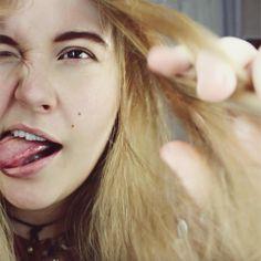 Laura Hohmann, tounge out, Model, blonde, hot, blogger, instagram, actress, beauty, natural, eyebrow goals