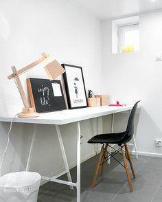 desk & eames chair