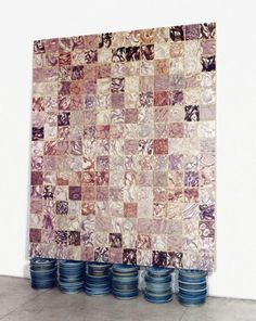 "Adriana Varejao ""Base-board tilework on plates"", 2000 Óleo sobre tela y platos de porcelana. Medidas: 262x186 cm"