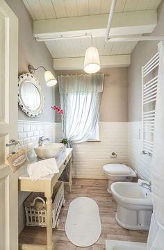 Bathroom on the ground floor-Villa Il Biancospino