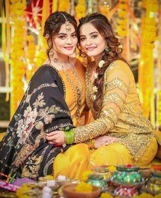 Lovely 😍😍😍😍 beautiful be Bridal Mehndi Dresses, Pakistani Wedding Outfits, Pakistani Wedding Dresses, Beautiful Bride, Beautiful Dresses, Beautiful Ladies, Bridal Photoshoot, Wedding Photography Poses, Foto Pose