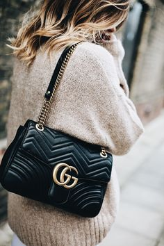 6dfb1d5ea97e Medium Black Leather Gucci Marmont Matelasse Bag
