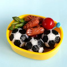 Japanese Lunch Box : like soccer balls Japanese Food Art, Japanese Lunch Box, Nihon, Bento Box, Lunch Ideas, Asian Recipes, Balls, Soccer, Happiness