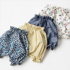MAKIEの春夏アイテム入荷☆  ノスタルジックなリバティプリントフラワーや、イタリアンファブリックを使ったブルマが入荷!同じリバティプリントの、ラインストーンがアクセントになったワンピースも届きました。レディースも春にぴったりなスタンドカラーシャツやスプリングコートが入荷しています♪  #makie #マキエ#babybloomers ##babybloomer #libertyprint #リバティ#lilietnene @lilietnene