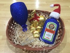 Glitter wine glass. Jagermeister christmas gift set! Lindt chocoalte - Purchase online at www.facebook.com/theglitterroom