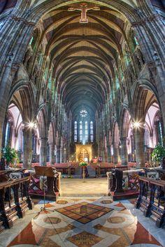Interior St. Mary's Cathedral, Edinburgh