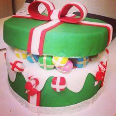 Christmas Gifts Box Cake - Bolo Caixa de Presente de Natal