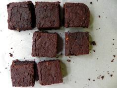 Fudgey Pumpkin Flourless Black Bean Brownies...remove oil and replace with sweet potato or applesauce