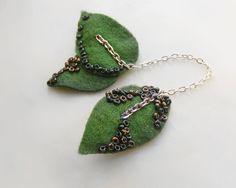 Felt brooch pin - leaves in chains by kapelusznik, $18.90