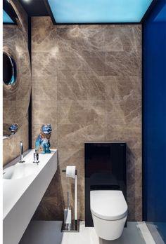 Toilet with Oskar Zięta mirror - designed by Studio Potorska