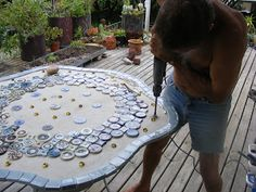 How to Mosaic and make beautiful objects for home and garden: Making a mosaic table top Stage 3 and a 1/4
