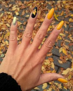 50 Fall Nail Art ideas and Autumn Color Combos to try on this season - Nägel /Winter - Nageldesign Classy Nails, Trendy Nails, Cute Nails, Cute Fall Nails, Fall Acrylic Nails, Autumn Nails, Winter Nails, Summer Nails, Nails Design Autumn