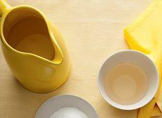 Ele não é útil apenas na culinária. O vinagre é um verdadeiro aliado da manutenção da casa e pode ser usado para diversos fins, substituindo até produtos químicos