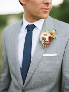 For a wedding suit for the groom and groomsmen grey is a popular choice, it. Grey Suit Wedding, Wedding Men, Wedding Groom, Wedding Attire, Farm Wedding, Wedding Bells, Wedding Styles, Dream Wedding, Fall Wedding Suits