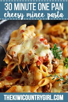 Cheesy One Pan Mince Pasta is part of Mince recipes - This easy, cheesy one pan mince pasta is going to be your new goto quick weeknight meal 30 minutes from start to finish and everything (including the pasta) is cooked in one pan! Pasta And Mince Recipes, Beef Recipes, Dinner Recipes, Cooking Recipes, Dinner Ideas, Spaghetti Recipes, Cooking Ideas, Lunch Ideas, Chicken