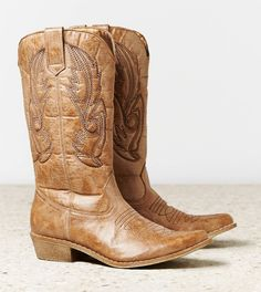 #INLOVE#WANTING#COWBOY@BOOTS.....