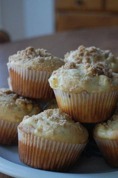 Heritage Schoolhouse: Fresh Peaches and Cream Muffins