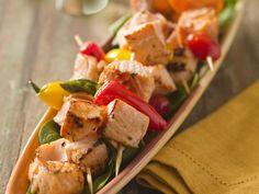 Spargel-Lachs-Spieße mit Paprika ist ein Rezept mit frischen Zutaten aus der Kategorie Meerwasserfisch. Probieren Sie dieses und weitere Rezepte von EAT SMARTER!