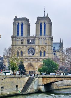 Cathedrale de Notre-Dame - Paris - absolutely fantastic when I was here!